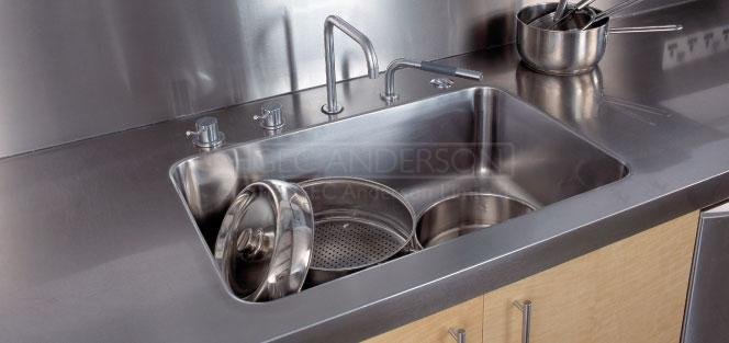FULLY INTEGRATED STAINLESS STEEL SINKS